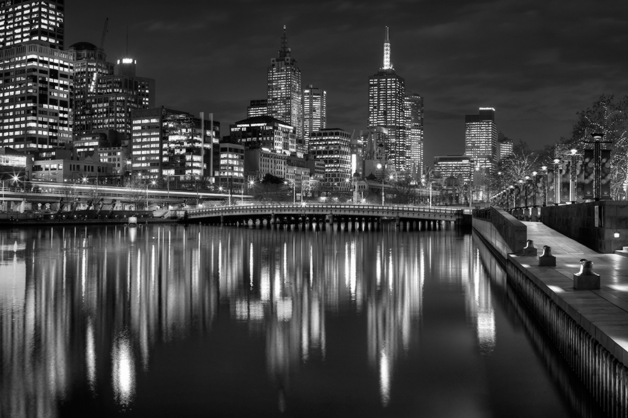 MM91-Melbourne at nightfall